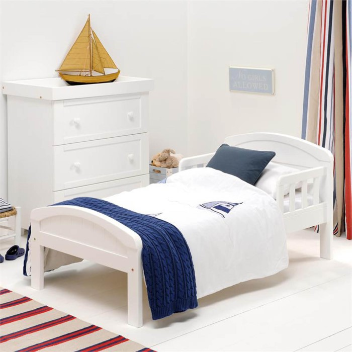 East Coast Country Toddler Bed In White