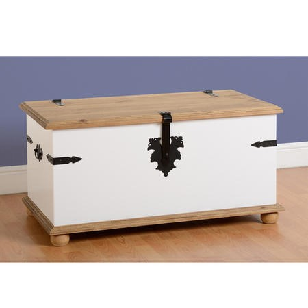 Blanket Box in White & Pine Top - Corona