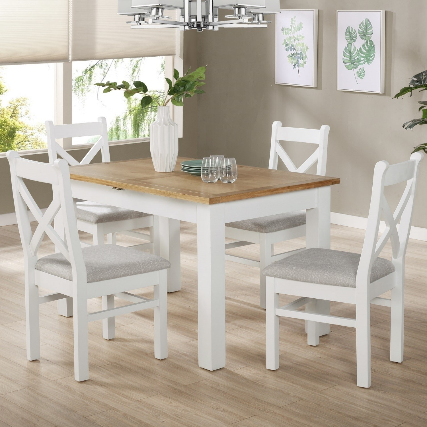 White Extendable Dining Table in Solid Wood with an Oak Top - Aylesbury
