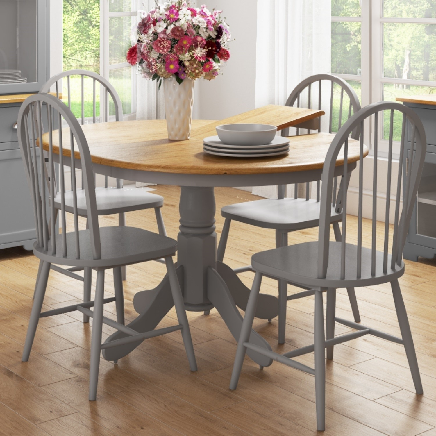 Picture of: Round Extendable Dining Table Set With 4 Grey Wooden Dining Chairs Rhode Island Furniture123