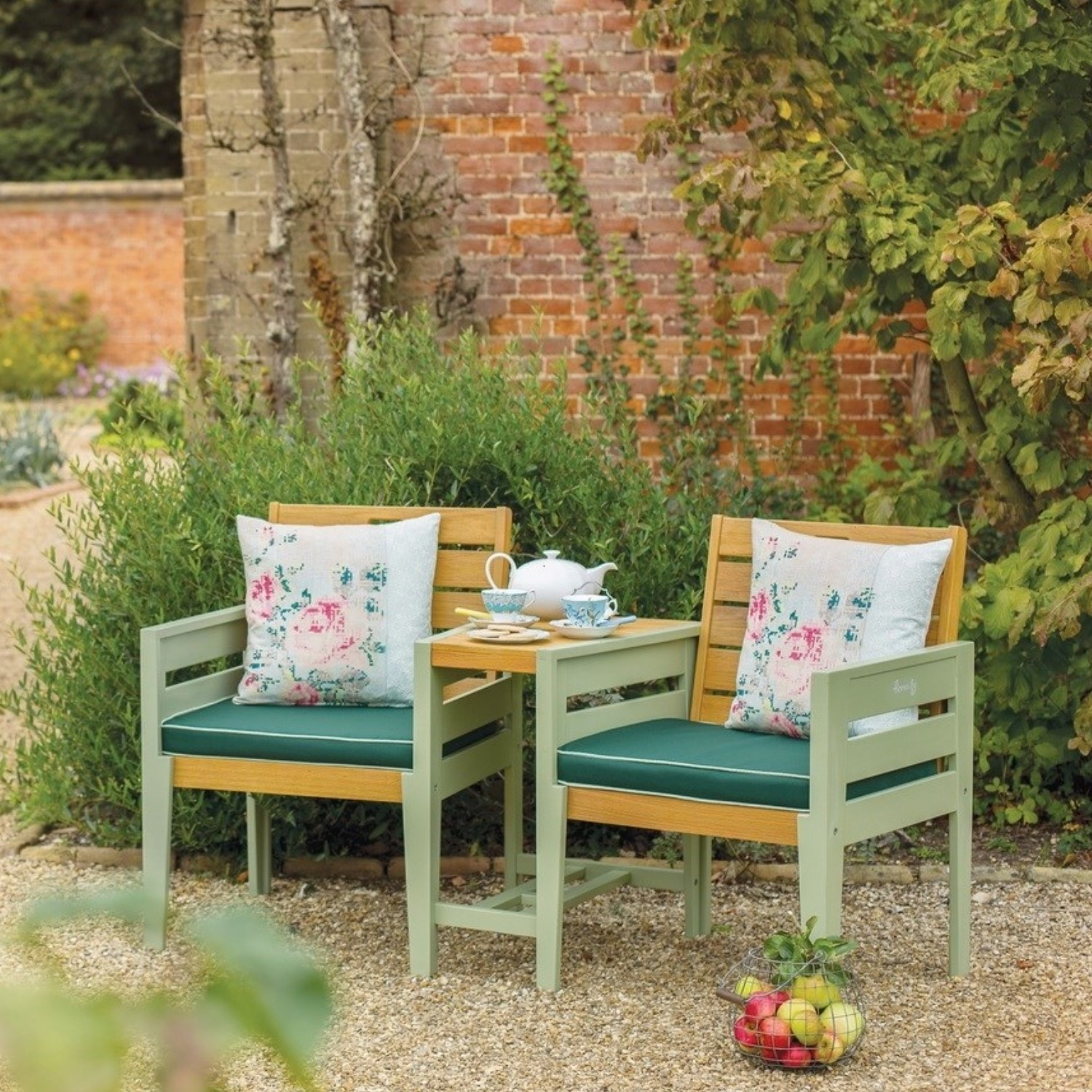 Verdi 12 Seater Garden Love Seat with Table in Green