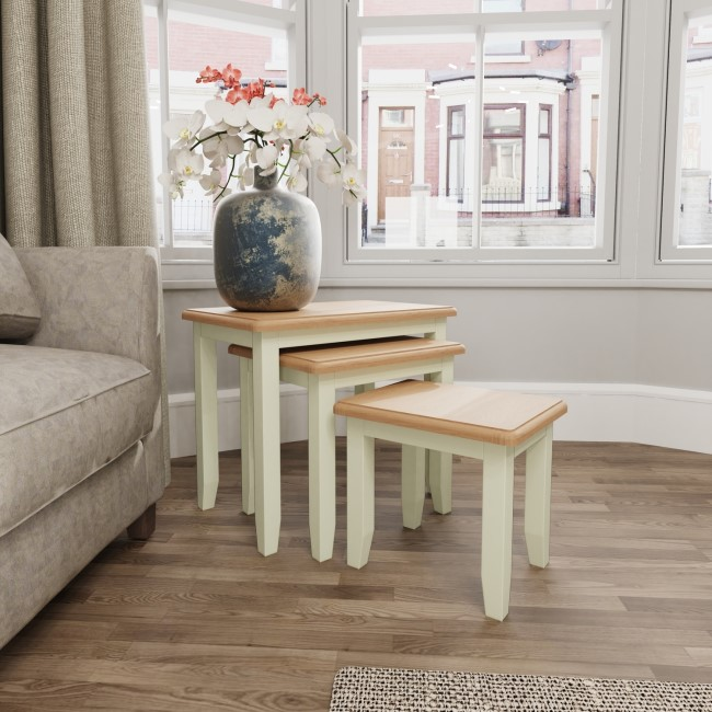 Bourton Nest of 3 Tables in White and Light Oak